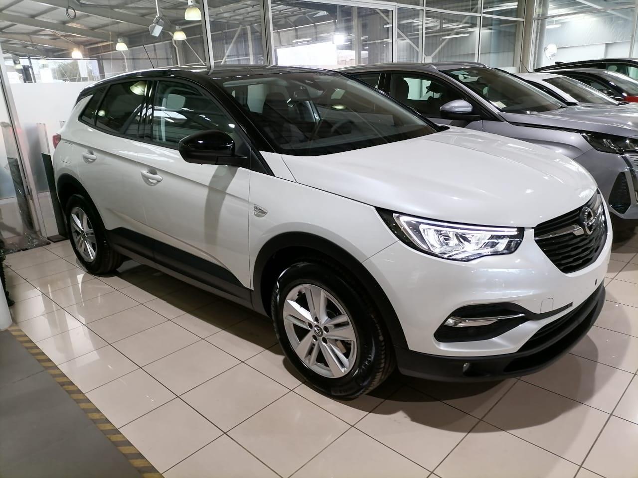 Opel Grandland X Edition 1.6T AT6 año 2021