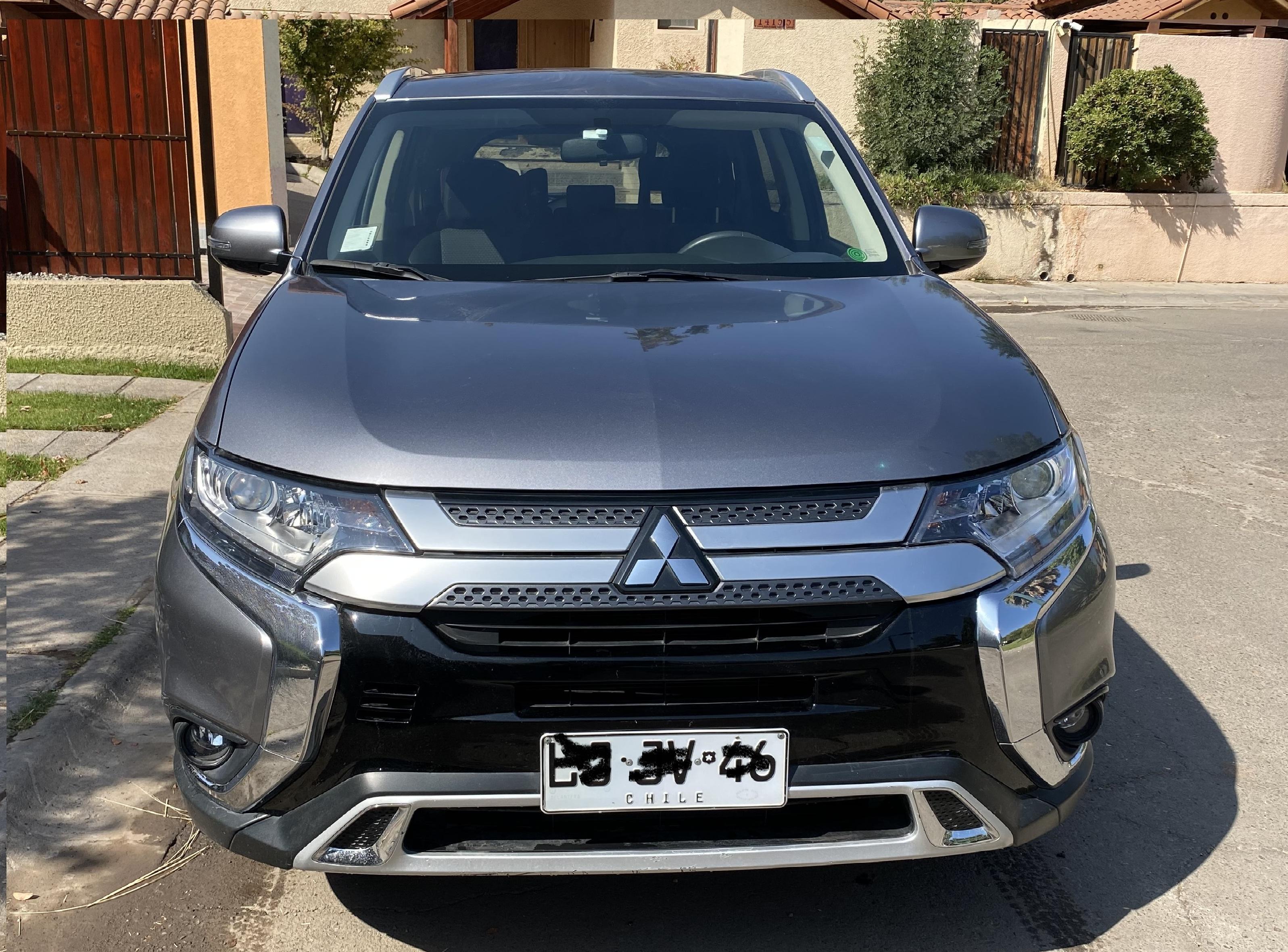 Mitsubishi Outlander 4x2 mecanico año 2019