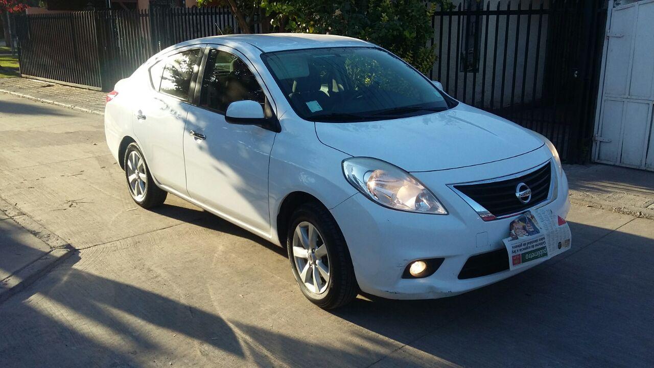 Nissan Versa Advance año 2012